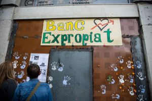 Banc-Expropiat-reivindicatica-Placa-Revolucio_EDIIMA20160528_0302_5